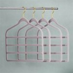 Huggable hanger four tier